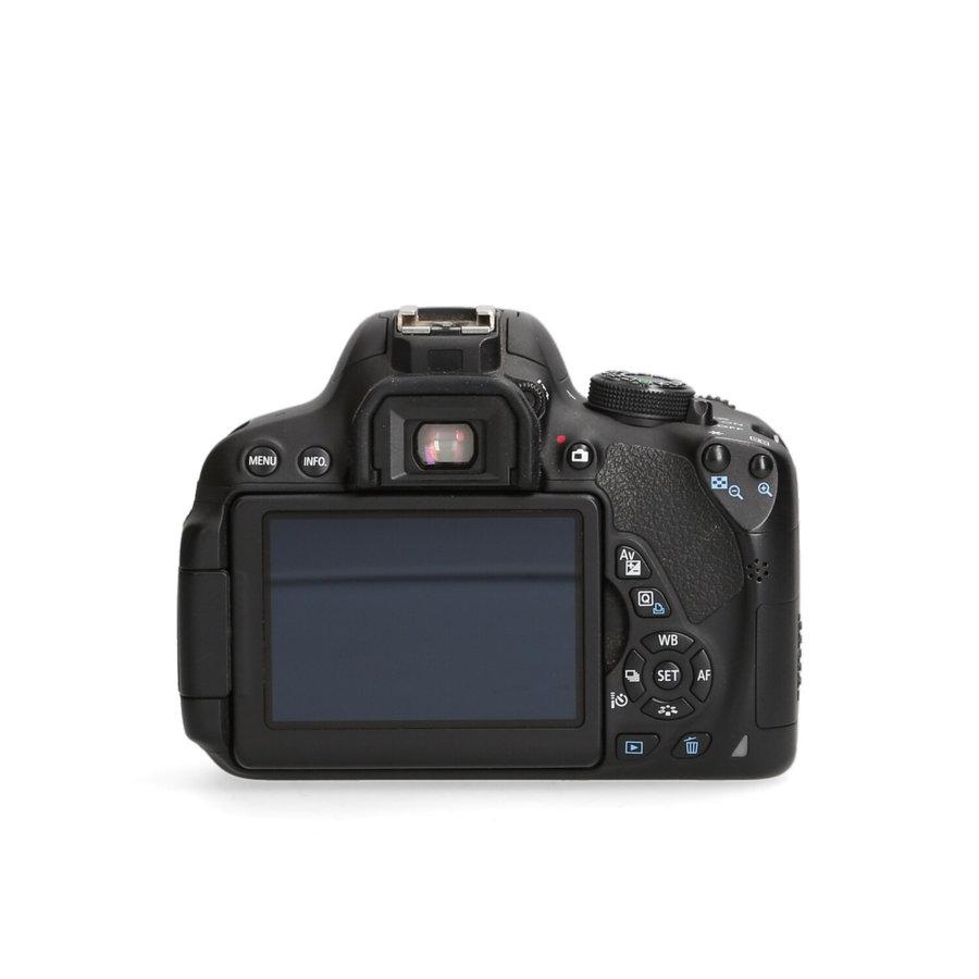 Canon 700D + 18-55mm STM