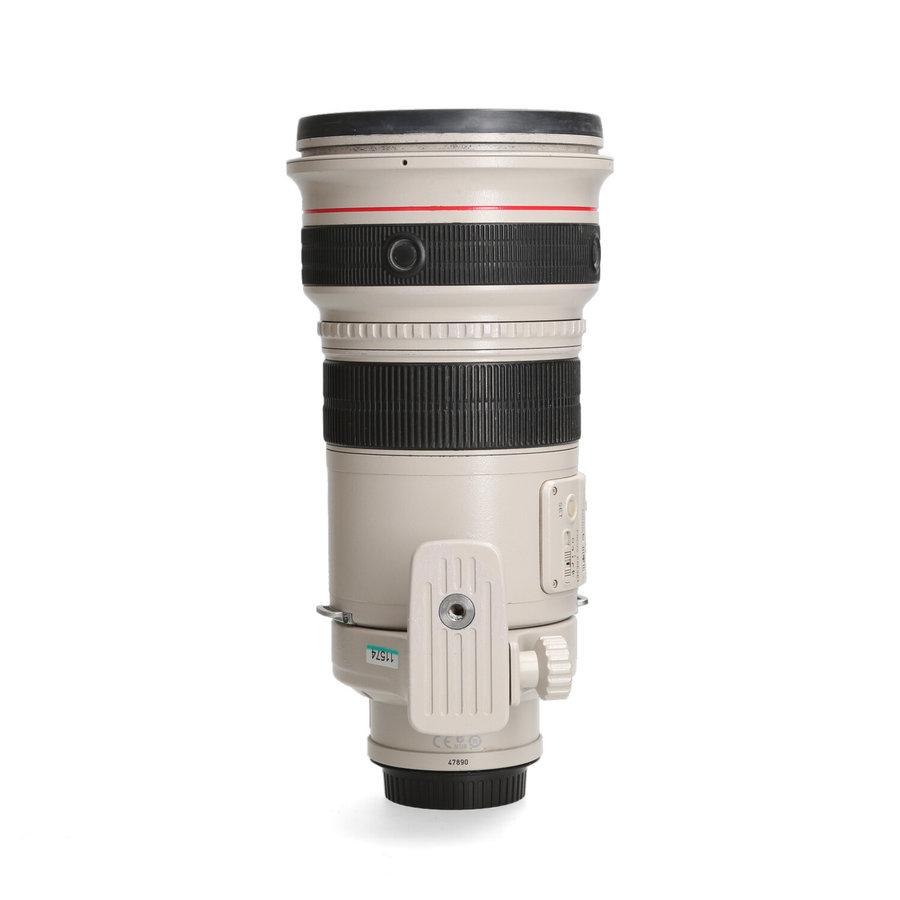 Canon EF 300mm 2.8 L IS USM - Gereserveerd