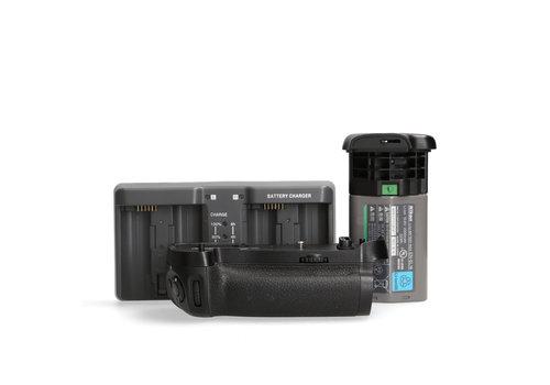 Nikon MB-D17 Grip + Booster accu & oplader (Voor Nikon D500)