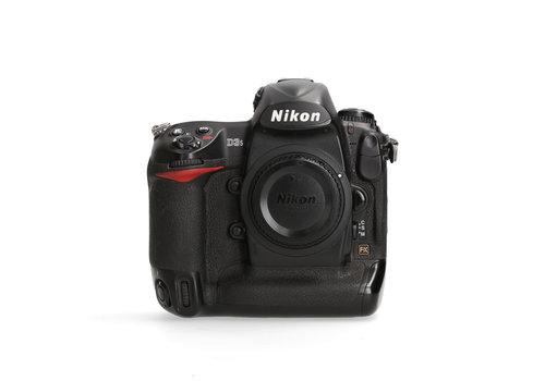 Nikon D3S - 35.499 kliks