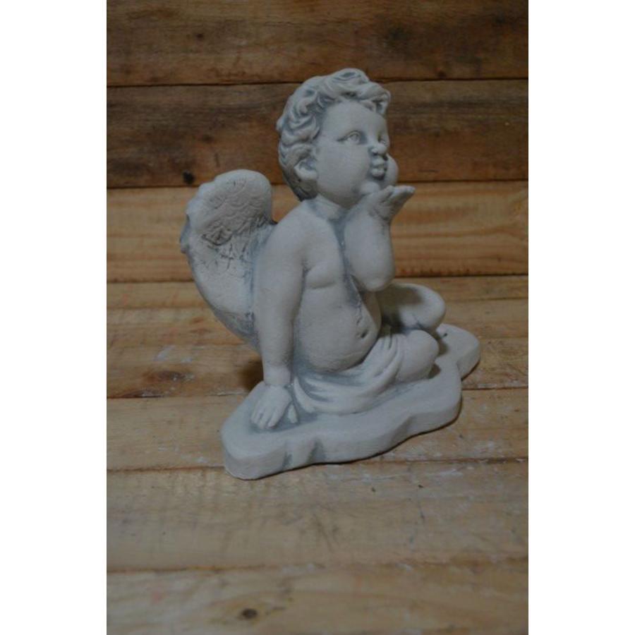 Engel geeft handkus-3