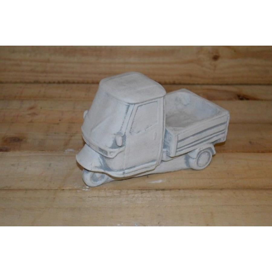 Tuktuk van beton.-1
