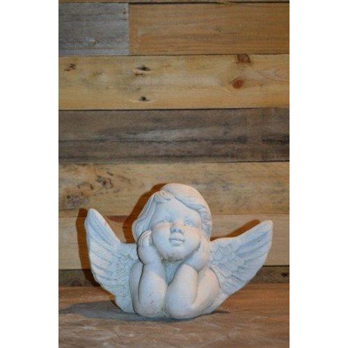 Engel met handen onder de kin