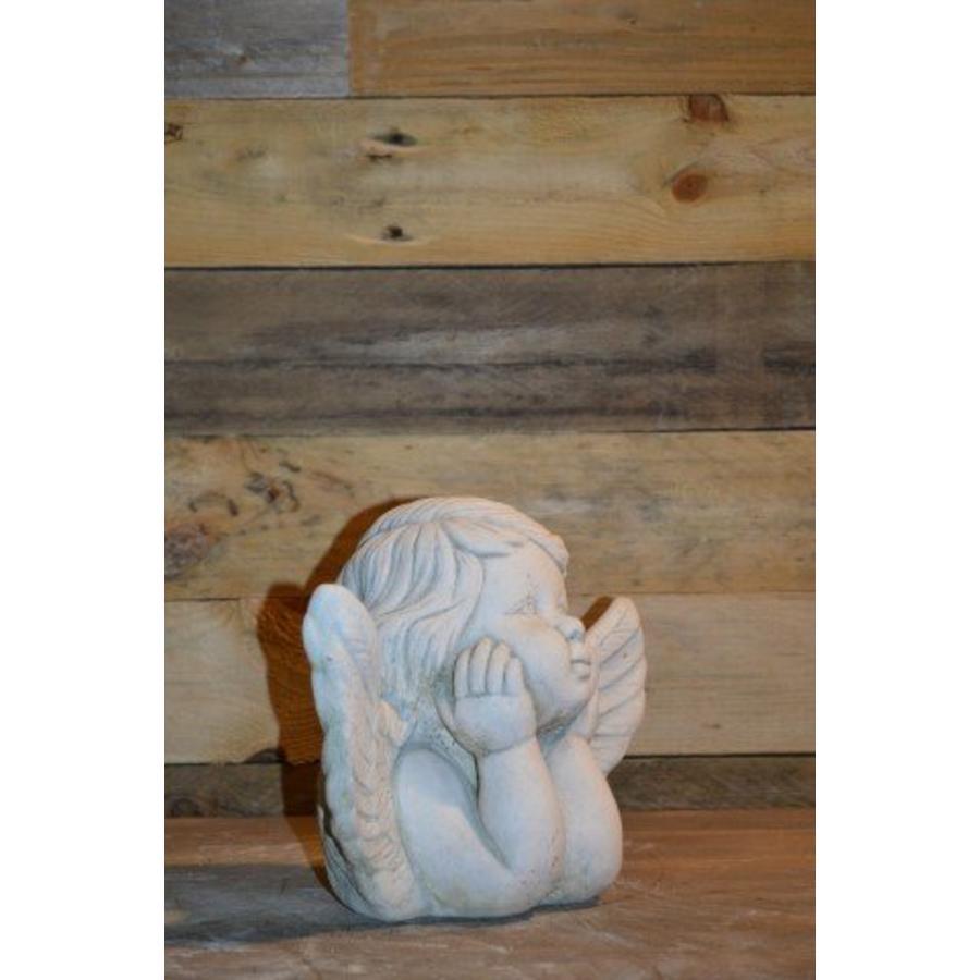 Engel met hoofd in de handen-2