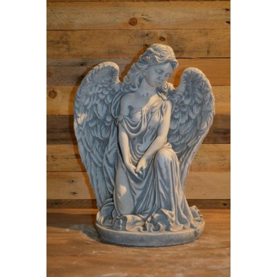 Engel in denkhouding-1