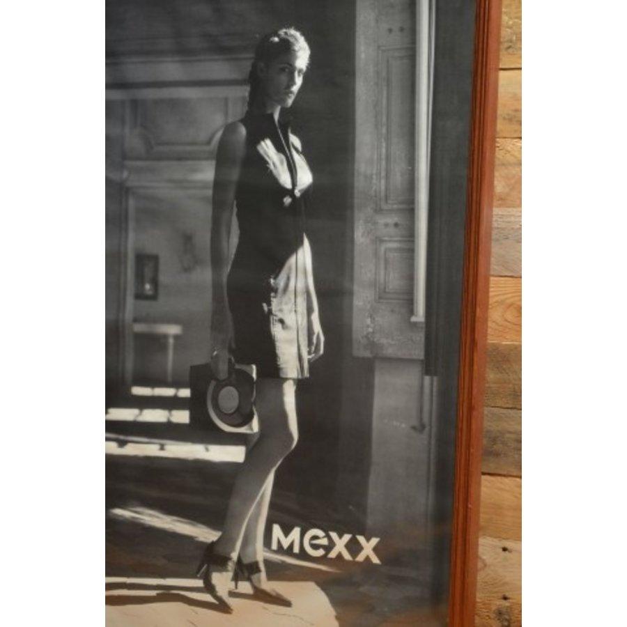 Eiken schilderijlijst met een poster erin van Mexx-3