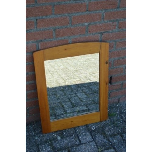 Grenen lijst met facet geslepen spiegel