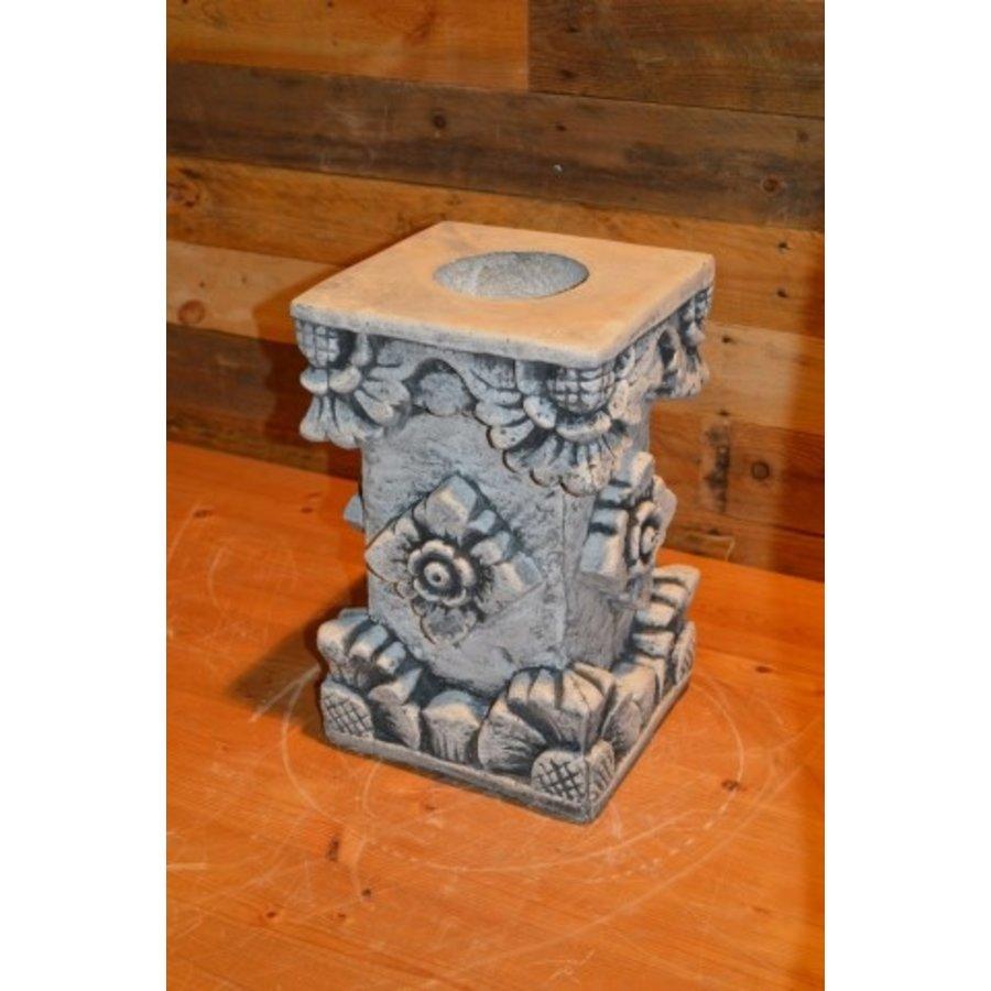 Pilaarvoor beeld of vaas-3