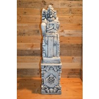 thumb-Balinese tempelwachter rechts kijkend + pilaar-3