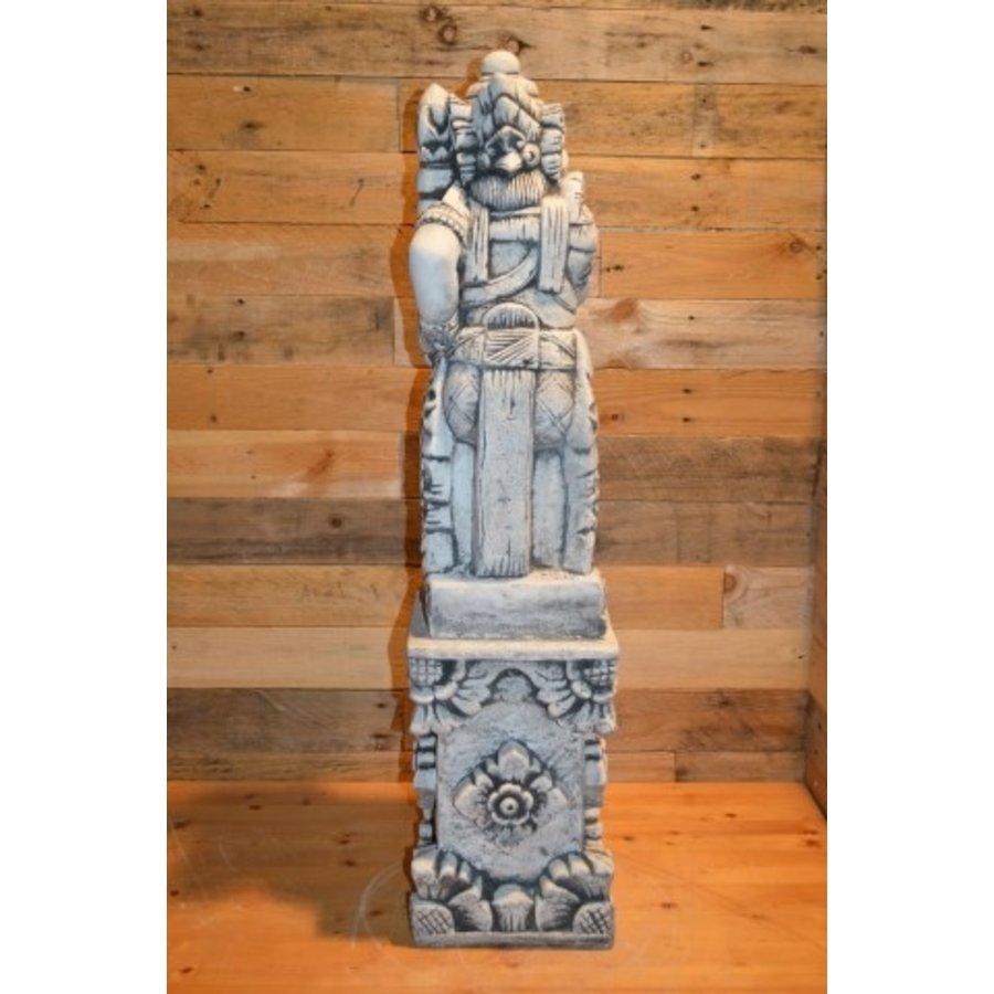Balinese tempelwachter rechts kijkend + pilaar-3