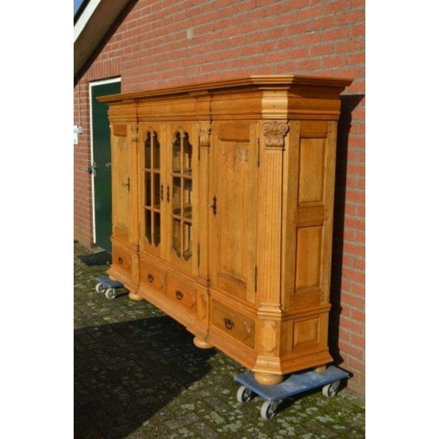 Kasteel dressoir robuust ambachtelijk met houtsnijwerk-2