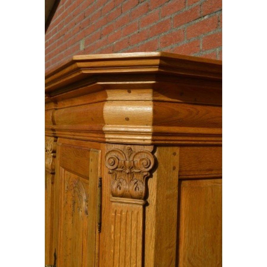 Kasteel dressoir robuust ambachtelijk met houtsnijwerk-3