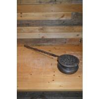 thumb-Bedden pan van vroeger met eiken steel en koperen pan-1