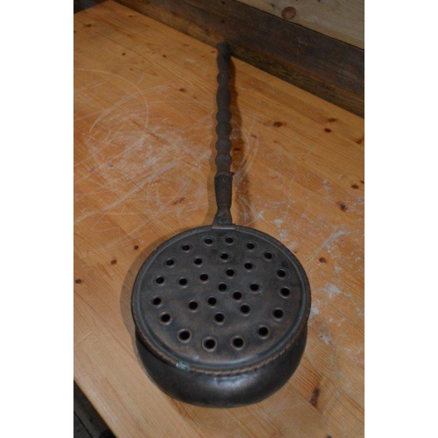 Bedden pan van vroeger met eiken steel en koperen pan-2