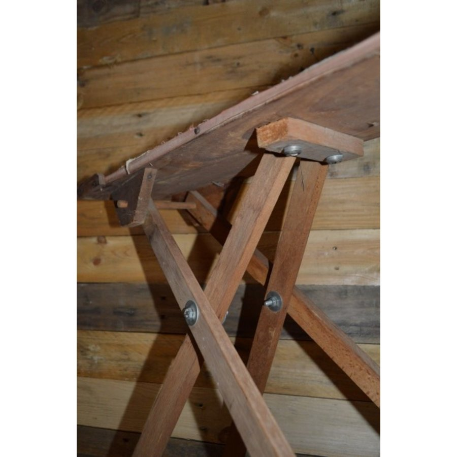 Ouderwets kinder strijkplankje van hout-4