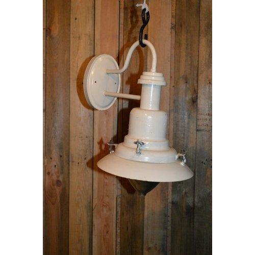 Buitenlamp brocante scheeps- of fabriekslamp