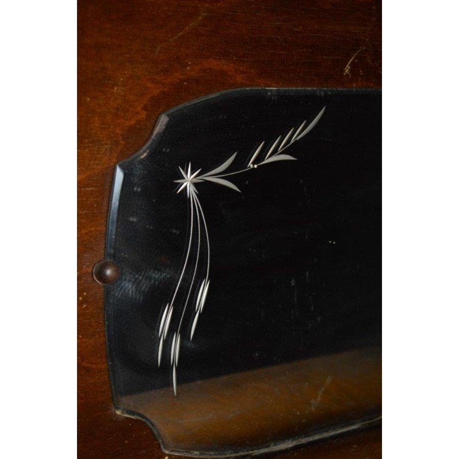 Garderobe met borstels en sierlijke spiegel-2
