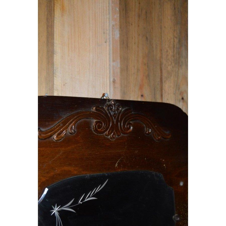 Garderobe met borstels en sierlijke spiegel-3