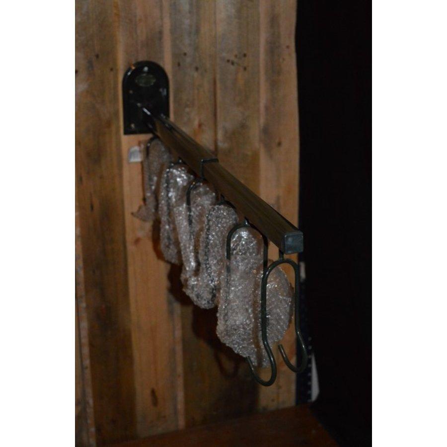 Wandbeugel om tuingereedschap aan op te hangen-1