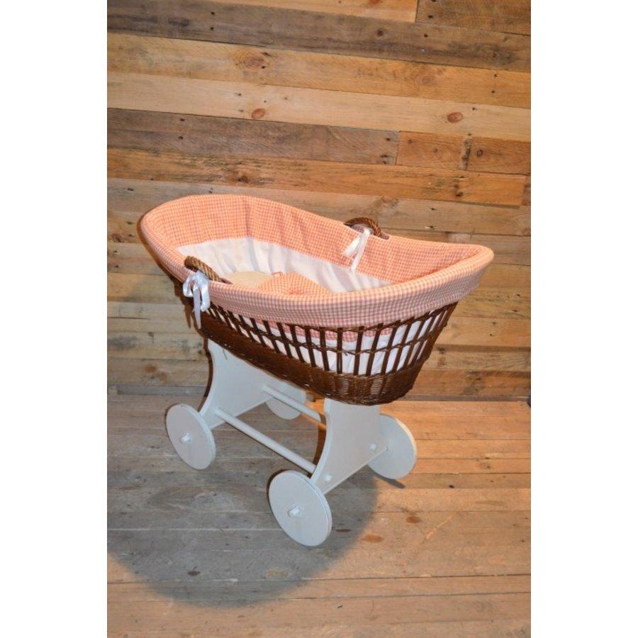 Baby  wiegje op wielen wilgentenen met hout brocante-5