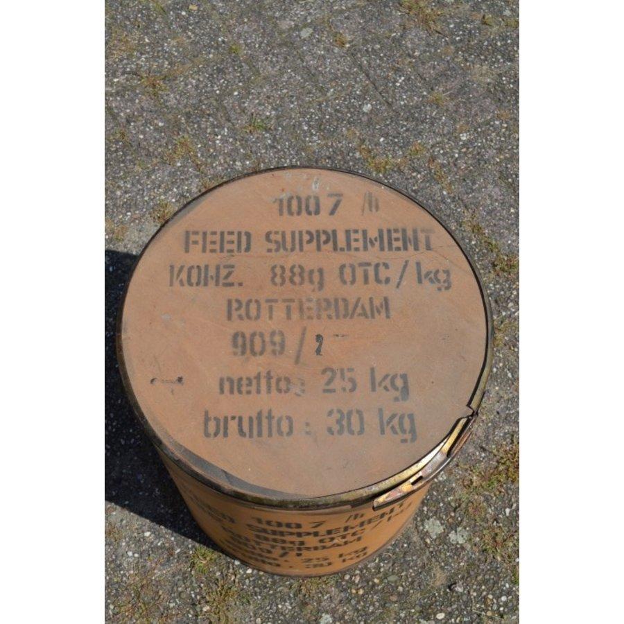 Brocante feed suplement transport ton van Nutrivit-3