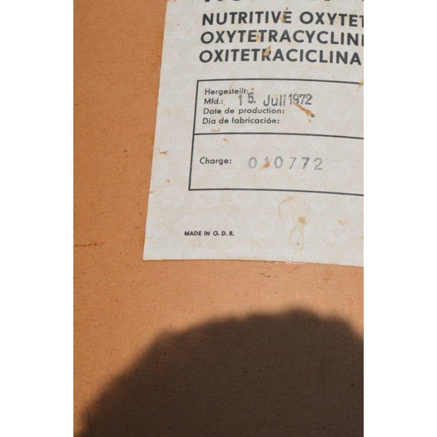 Brocante feed suplement transport ton van Nutrivit-7