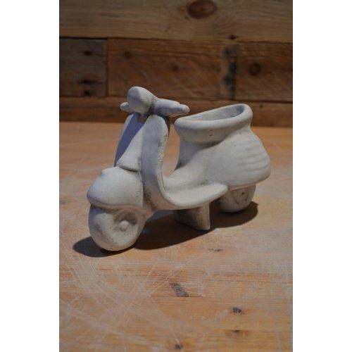 Retro scooter bloempotje