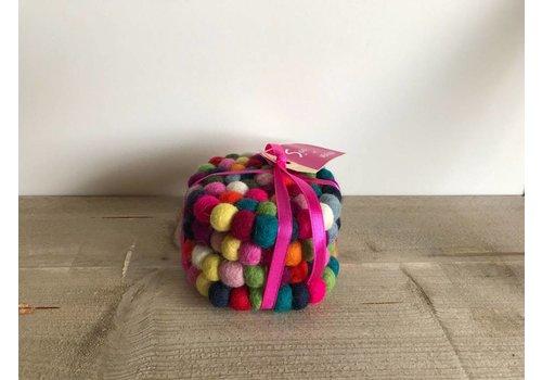 Sjaal met verhaal Onderzetter viltballetjes