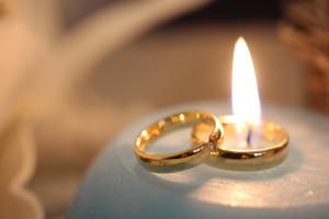 Hoe houdt u uw gouden sieraden mooi?