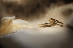 Waarom dragen we eigenlijk trouwringen?
