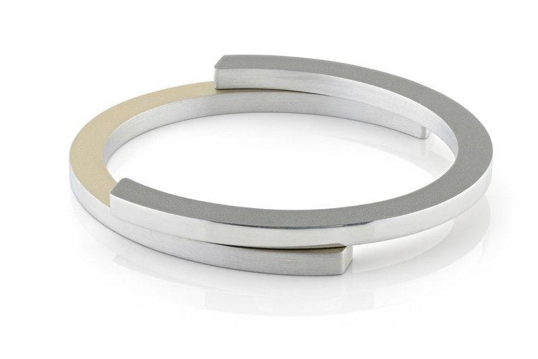 Clic Armband C-Vormen A23G Medium