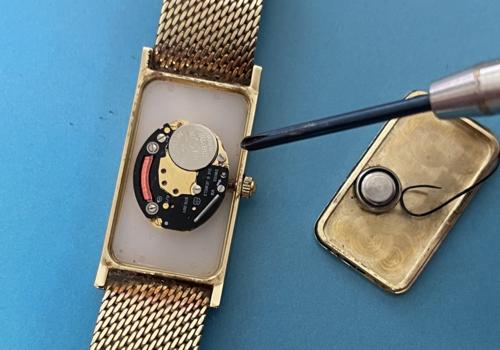 Horloge onderhoud en reparatie