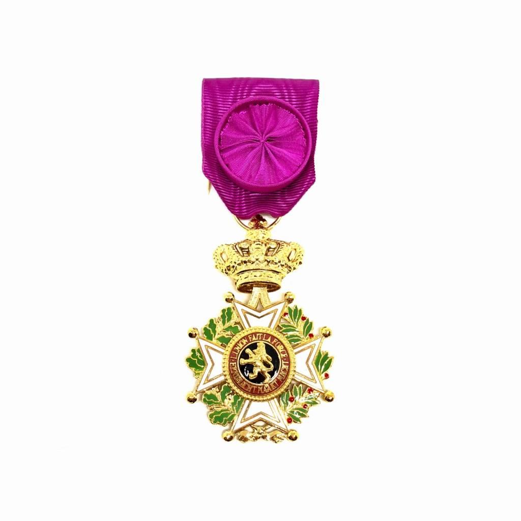 Officier de l'Ordre de Léopold