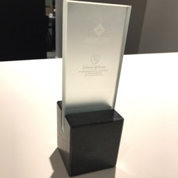 Award glass Janssen Pharmaceutica