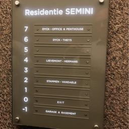 Nameplate lift