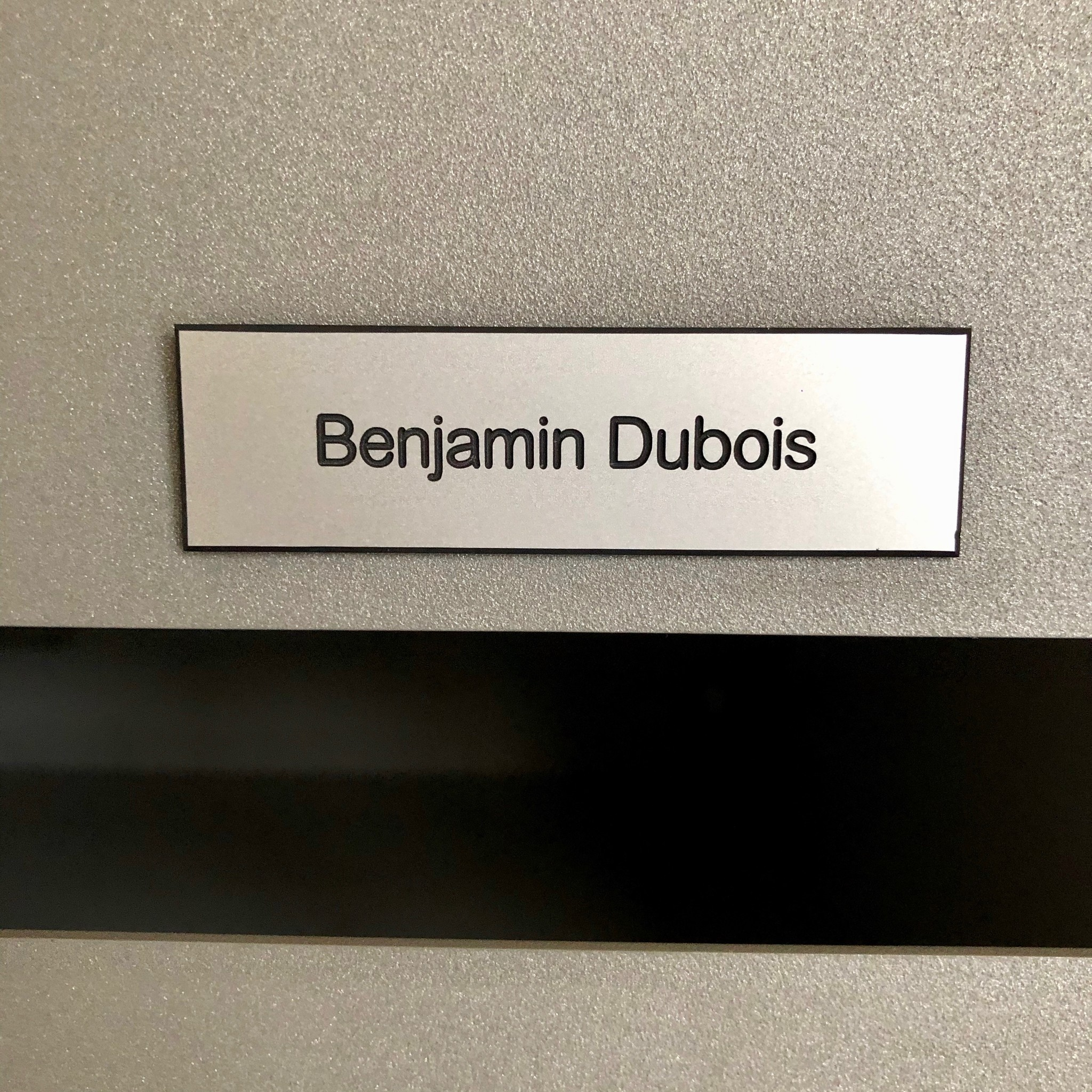 Nameplate in silver colored plastic for letter box, bell or lift
