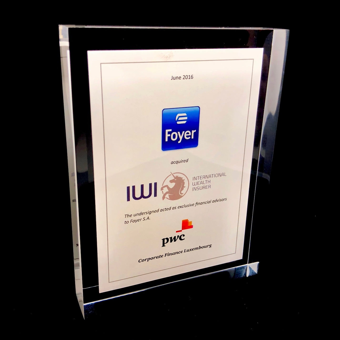 Award en plexi - tombstone (180 x 180 x 24 mm)