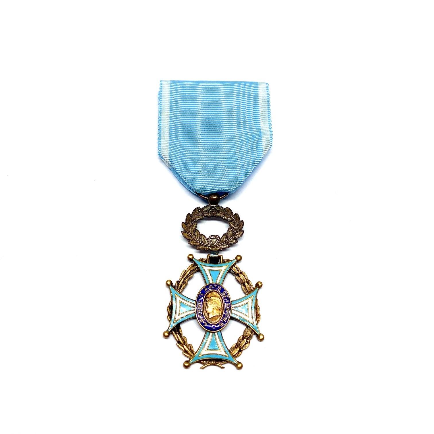 Décoration Chevalier Société Académique Arts - Sciences - Lettres