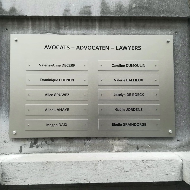 Nameplate in brushed aluminium for lawyers with modular system