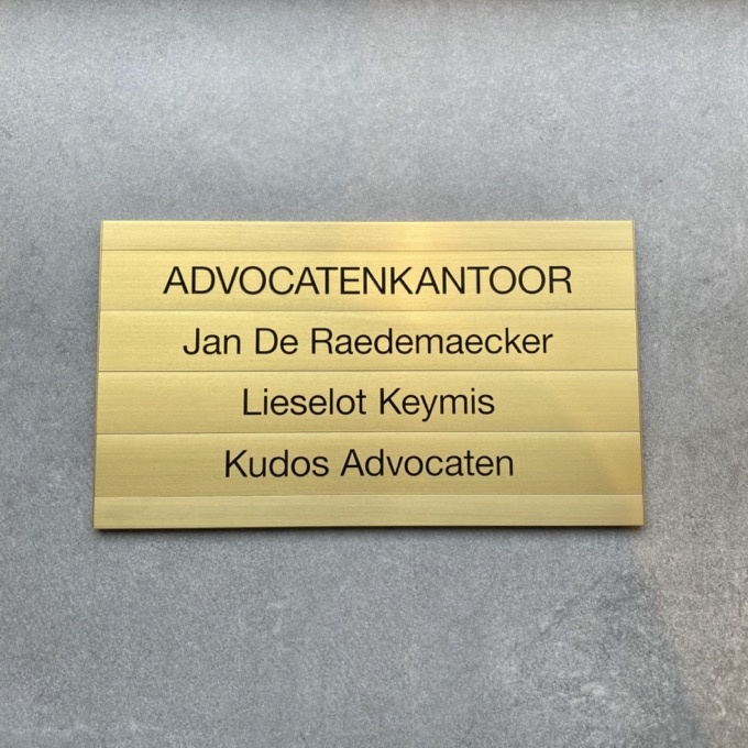 Gold aluminum nameplate for lawyers with replaceable panels (Infonorm)