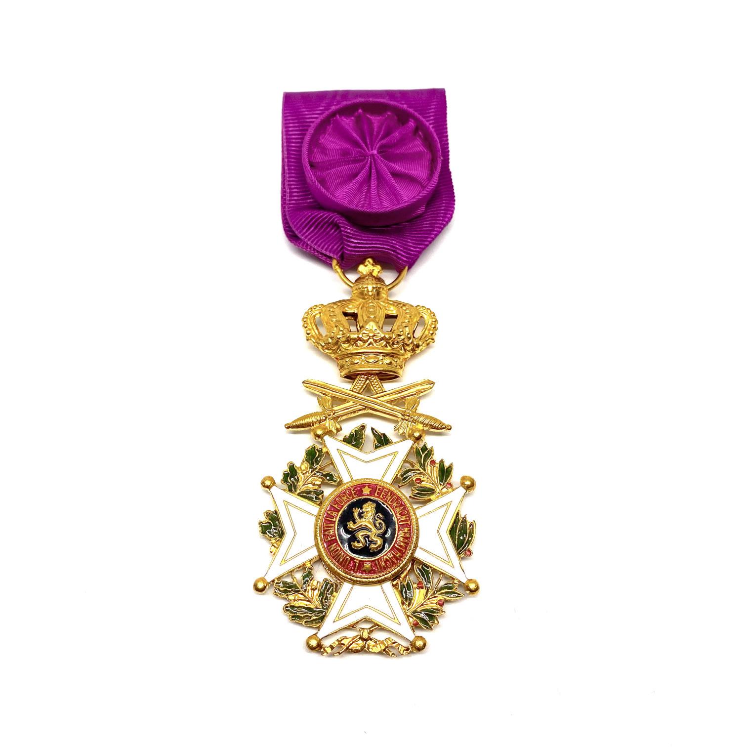 Officier de l'Ordre de Léopold Militaire