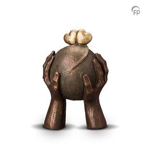 Geert Kunen  UGK 036 A Keramische urn brons Liefde