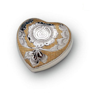 HUH 004 Brass keepsake heart