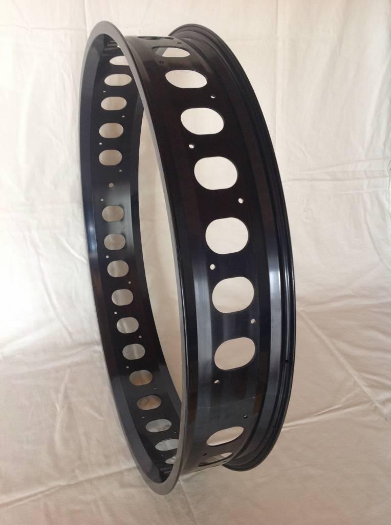 """cut-out rim RM100, 26"""", black anodized, 32 spoke holes, round cut-outs"""