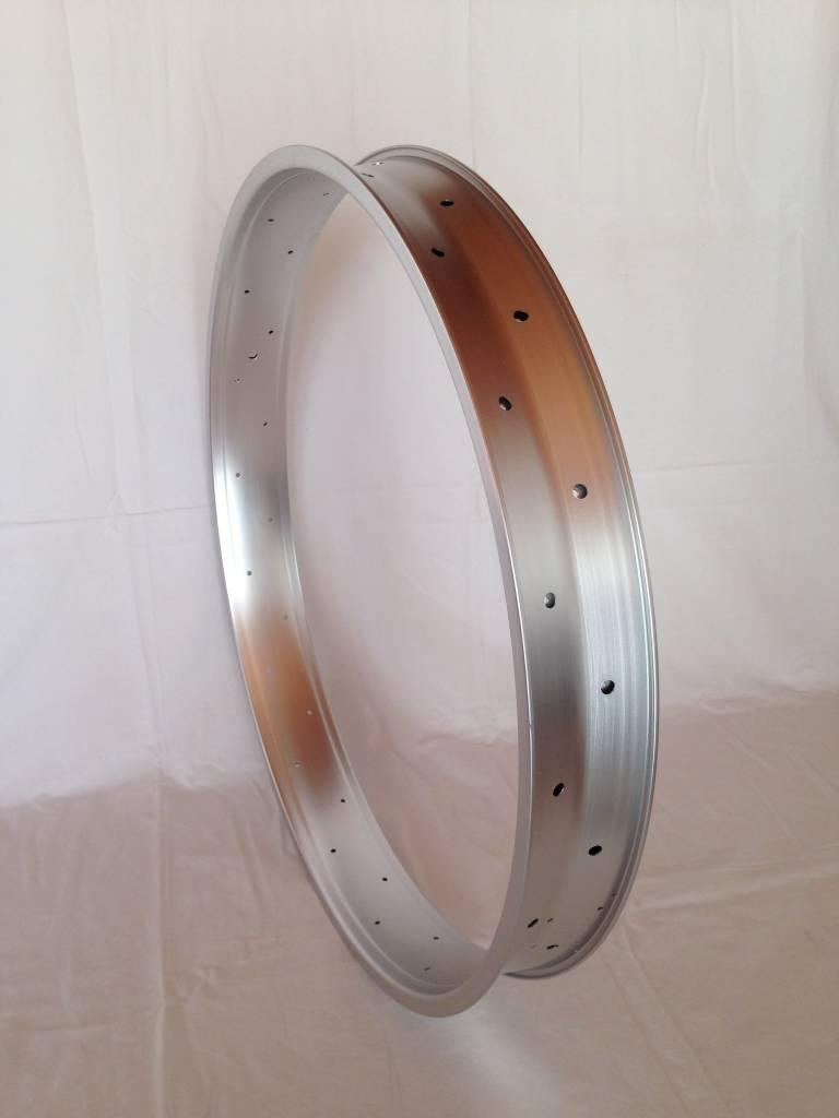 "alloy rim DW80, 28"", silver (matt) anodized"