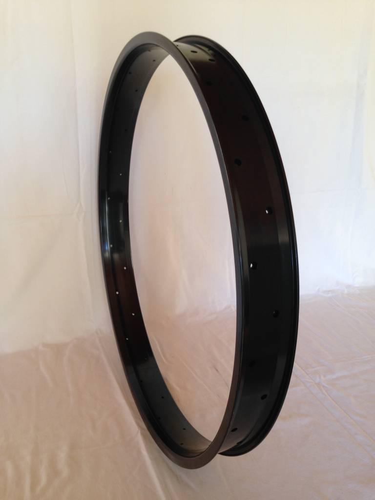"alloy rim DW65, 28"", black anodized"