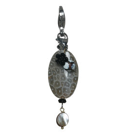Pimps and Pearls Moesss2Be Premium 1992 Grey Fossil Fossil Rock