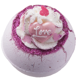 Bomb Cosmetics Bath Blaster Fell in Love with a Swirl