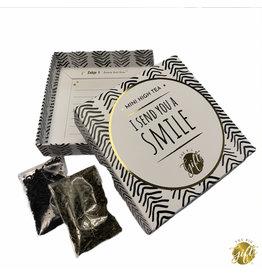 The Big Gifts Kaart en cadeau in een luxe doosje - Mini high tea - I send you a smile