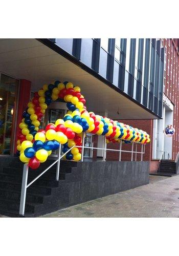 Slinger van grote ballonnen